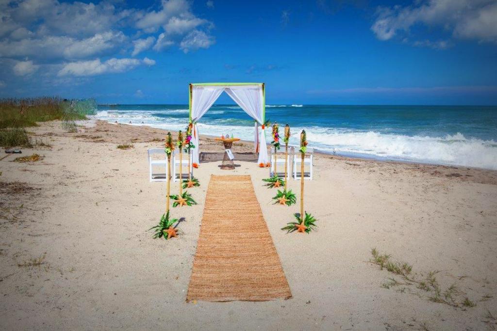Love is a Beach Wedding.com | Beach Wedding Packages
